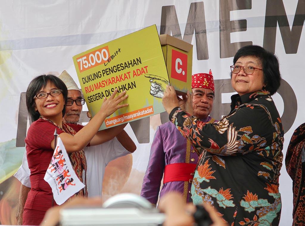 Kiprah Wanita Dayak Berjuang untuk Adat Nusantara
